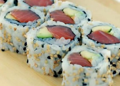 Tuna and Avocado Roll (8)
