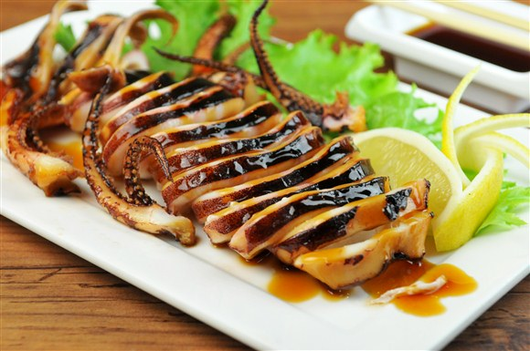 Ika Yaki (Grilled Whole Squid)