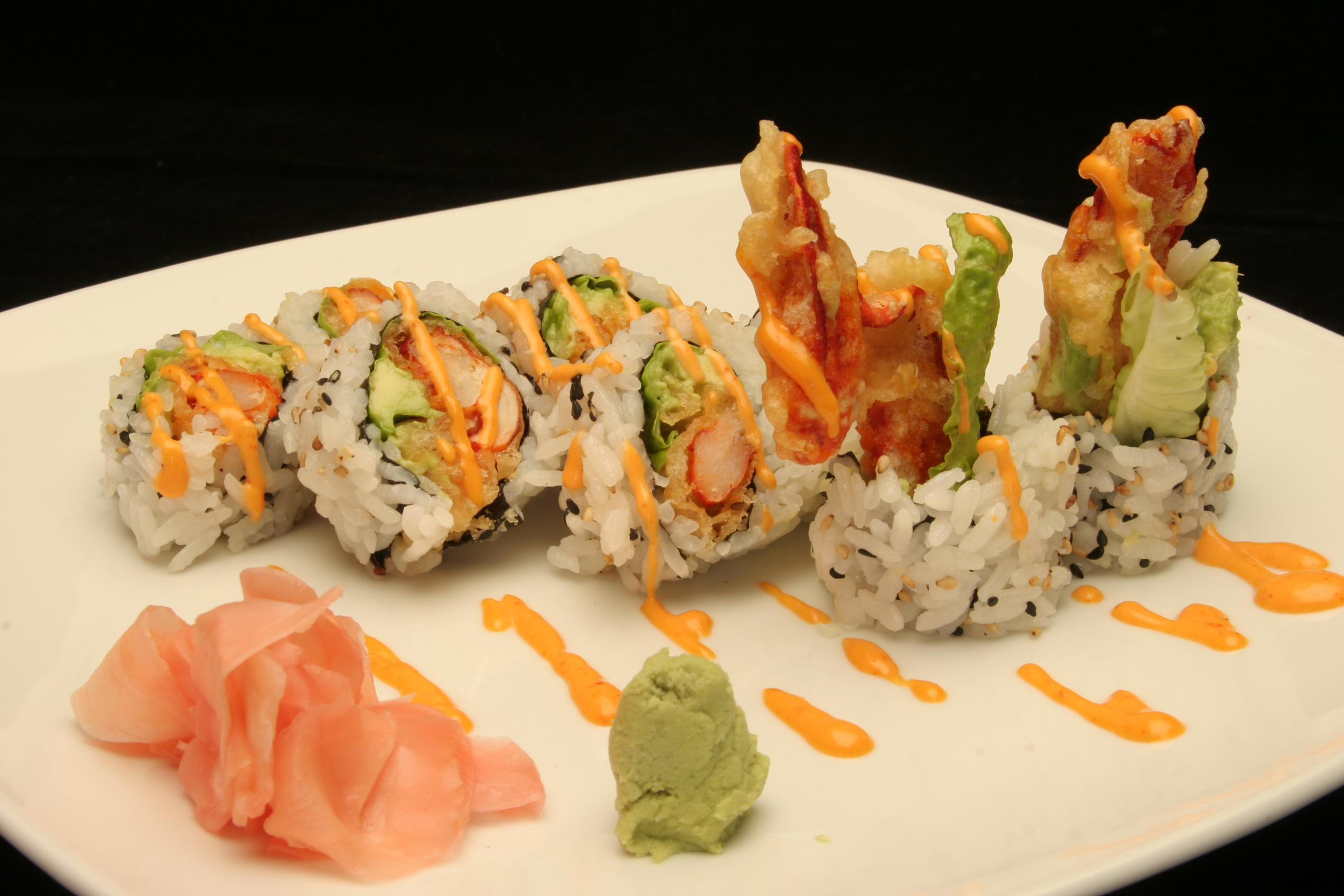 Spicy Dynamite Roll (Spicy Shrimp Tempura Roll)