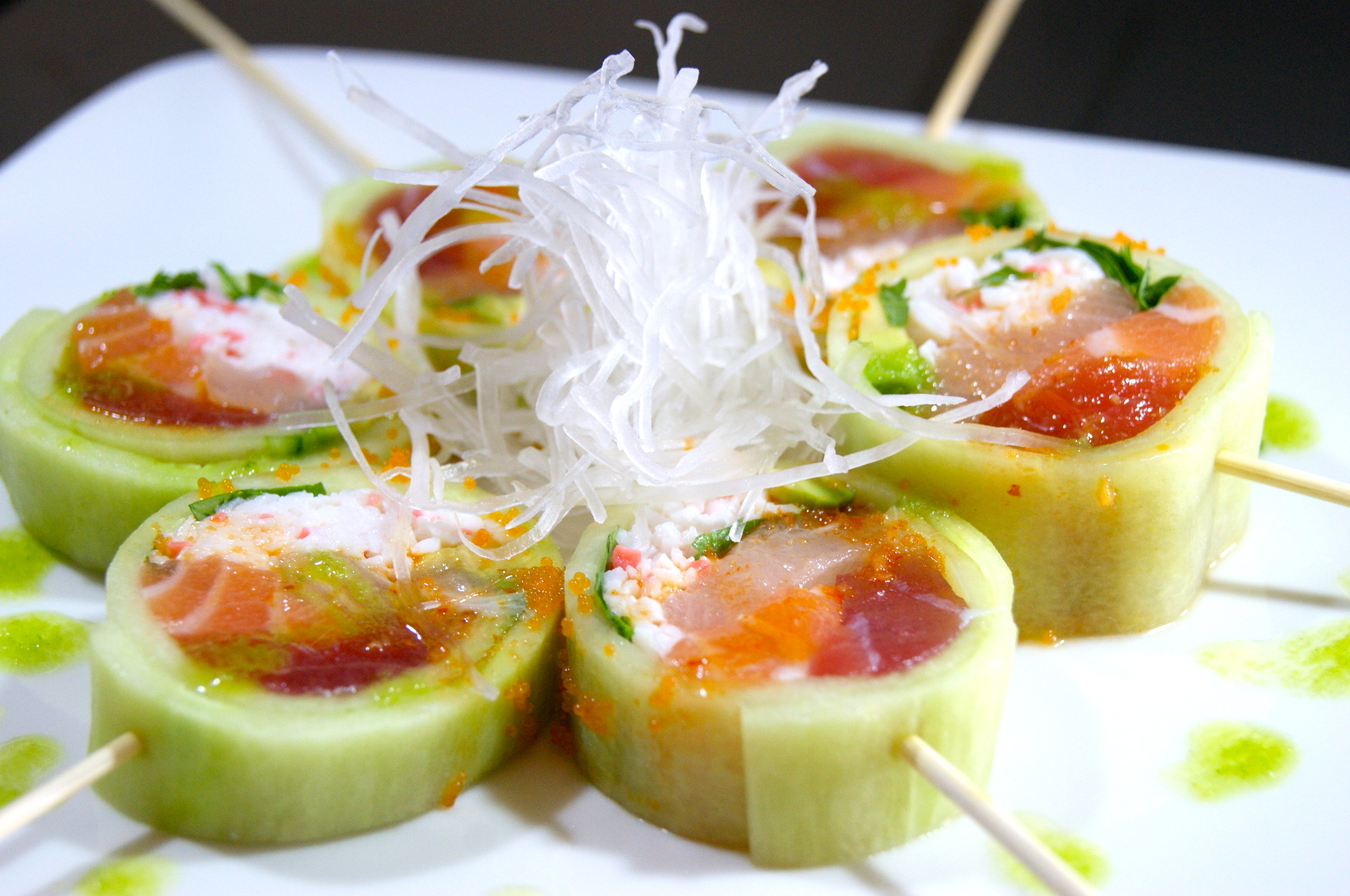 Cucumber Salad Roll (4 Pieces)