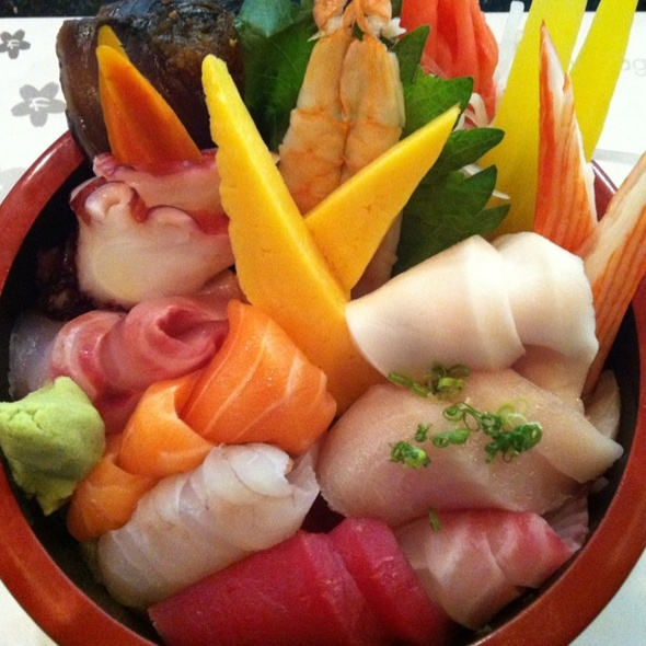 Chirashi Don (12 Pieces)